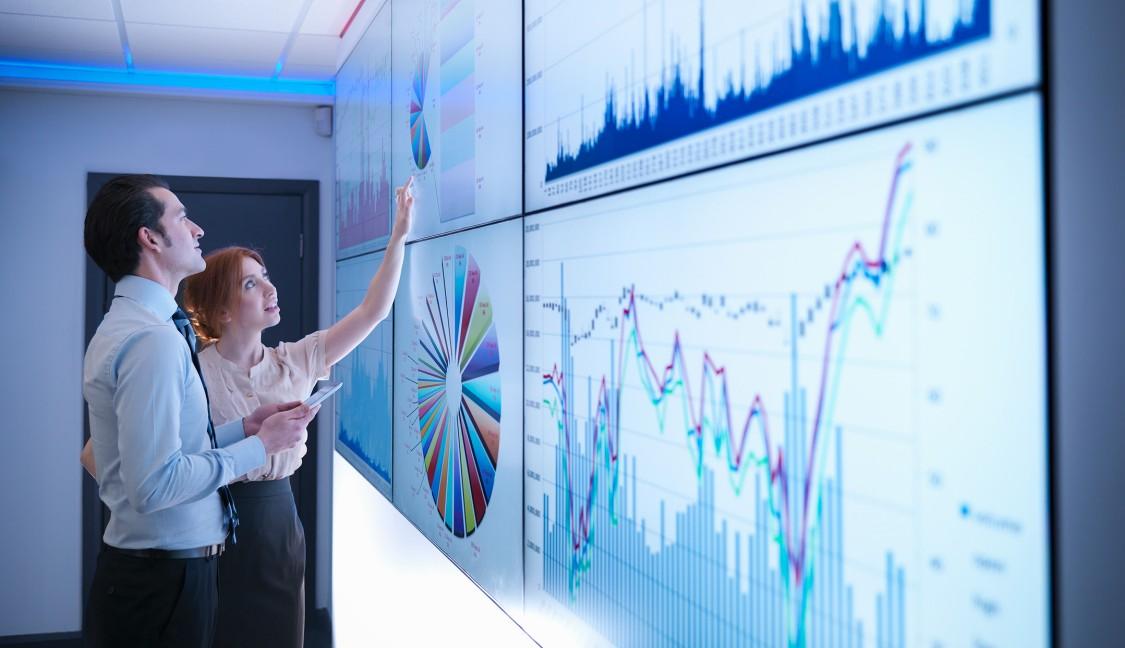 Erleben Sie in unseren Digital Enterprise Experience Centers die Verbindung der realen mit der digitalen Welt hautnah