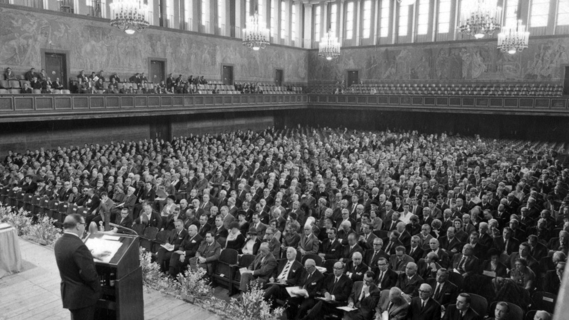 Annual Shareholders' Meeting, 1969