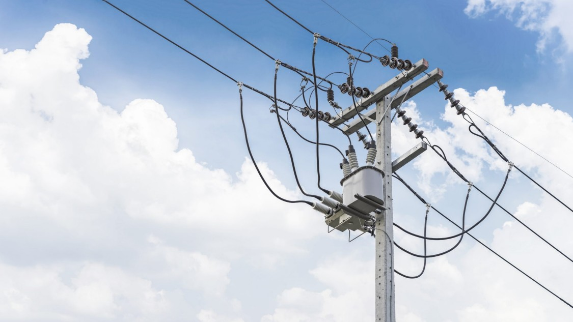 Picture showing an example of distribution automation on a power pole
