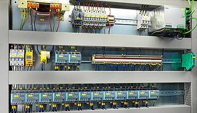 As part of the modernization of the Genk site, the obsolete control technology was replaced by components from the Siemens Simatic portfolio as a pilot project.