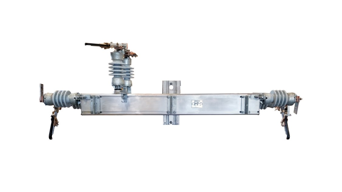 Topper series medium-voltage group-operated disconnects