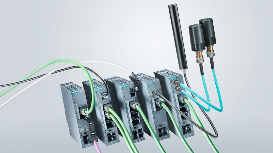 Image of industrial routers from the SCALANCE M family