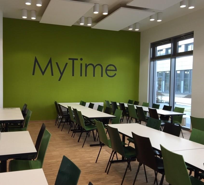 Mitarbeiterrestaurant Erlangen Siemens Campus | MyTime - grüner Essbereich