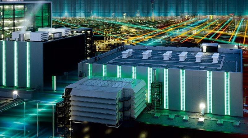 完善基础设施构建智能交通及科技楼宇