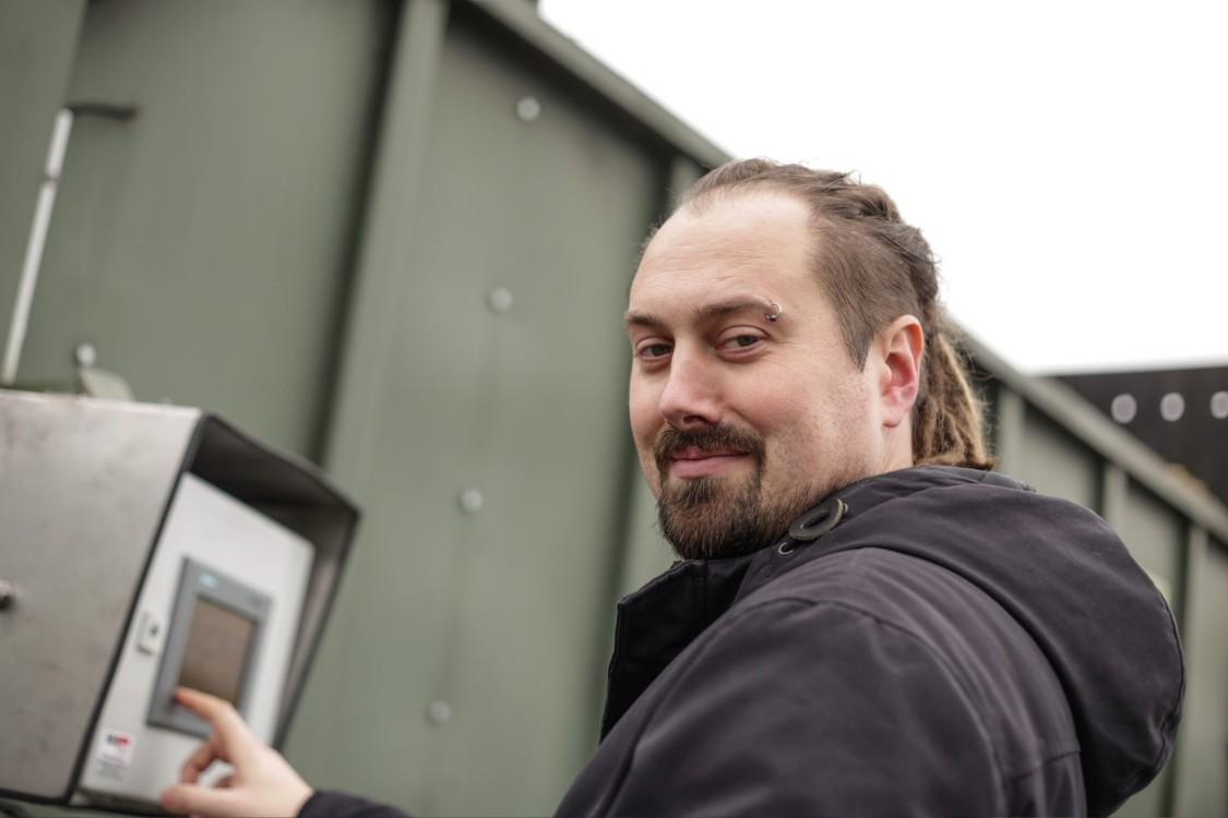 Daniel Schwier, Geschäftsführer SDS tec, an HMI