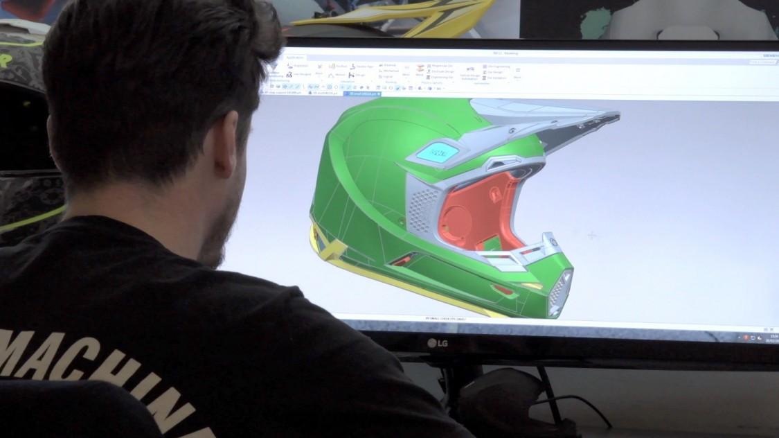 Design eines Motorradhelmes mit NX