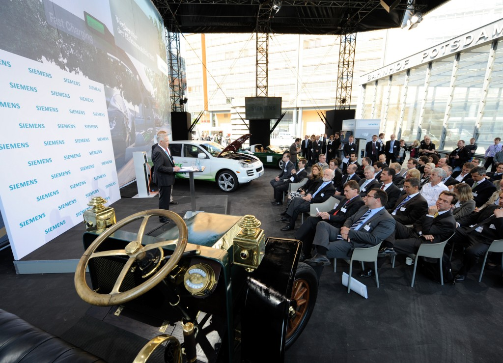 Premiere at the Siemens Pavilion: 105 years of electromobility in Berlin