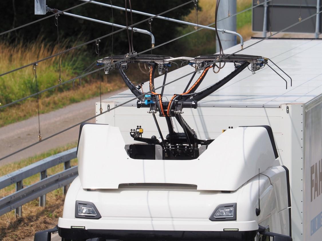 Pojazd na elektrycznej autostradzie eHighway