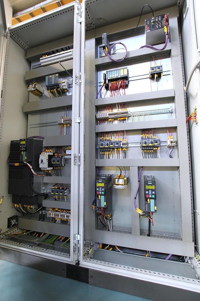 – Moderna kommunikationslösningar behövs när man tar in så mycket information, felsökningar och trendsökningar. Det handlar mycket om att samla upp och utvärdera data. Siemens är användarvänligt och det är många som kan systemen på marknaden, säger Tomas Kristoffersson, anläggningsansvarig på Uniper.