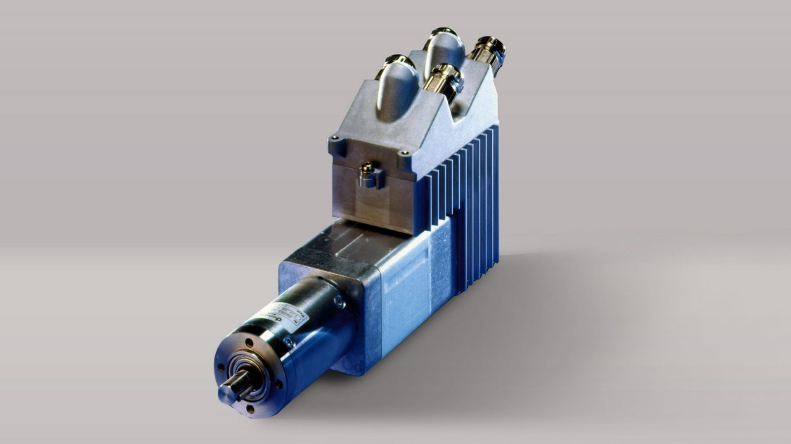 Умный электродвигатель Simodrive Posmo A, 1999 год