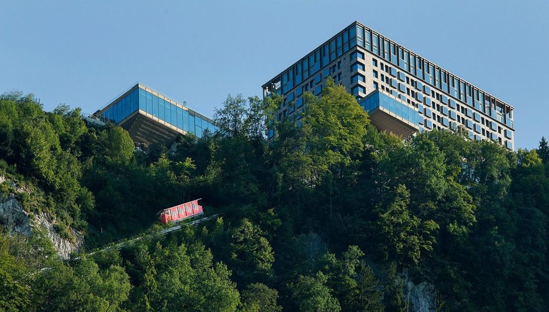 Seewasser versorgt Luxushotel am Vierwaldst盲ttersee mit Energie.