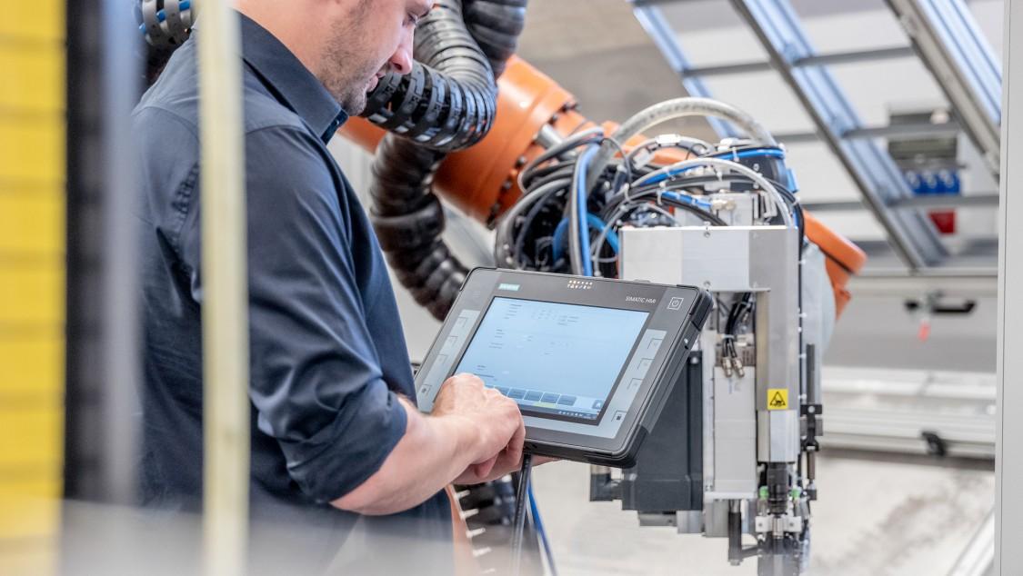 Key Visual Referenz Weber Schraubautomaten GmbH