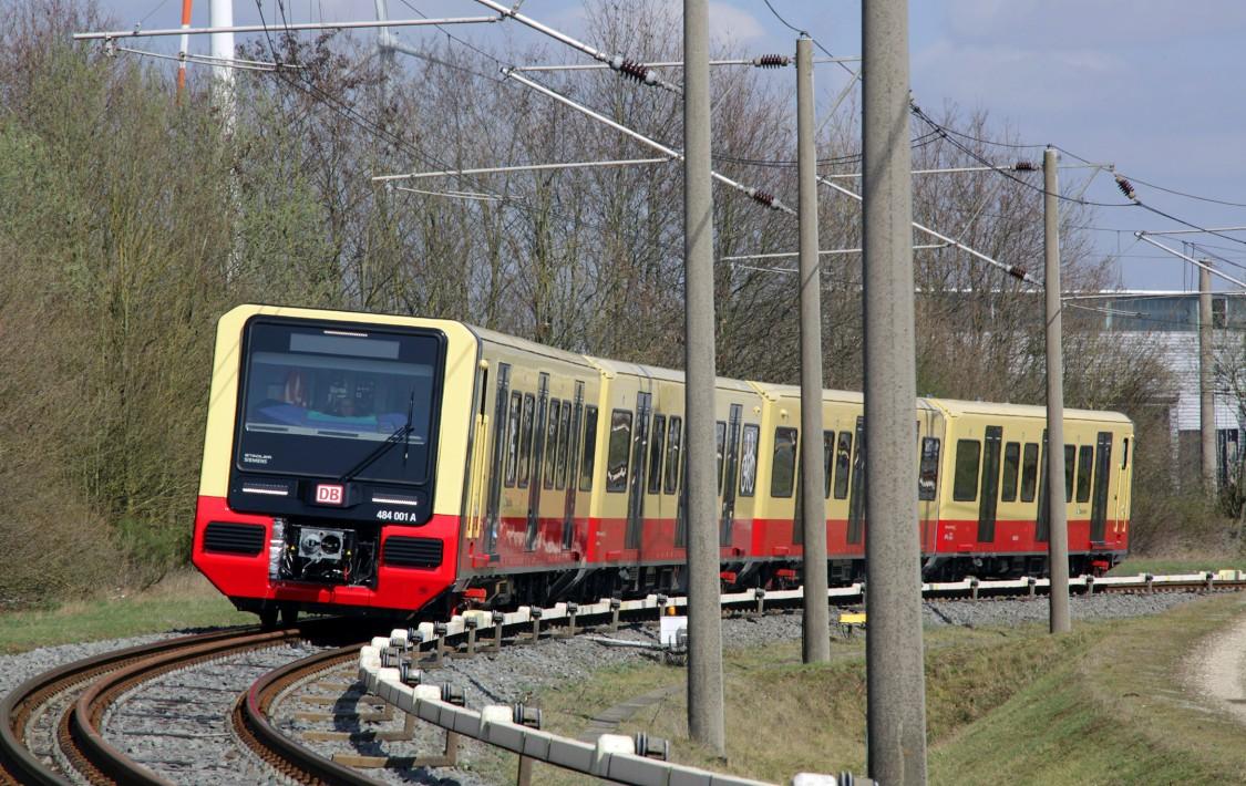 Erster neuer Zug der S-Bahn Berlin startet in den Fahrgastbetrieb