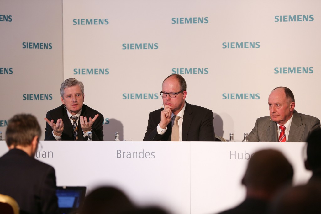 Die CEOs der Divisionen Energy Management, Digital Factory sowie Process Industries and Drives auf der Siemens Pressekonferenz im Vorfeld der Hannover Messe 2016