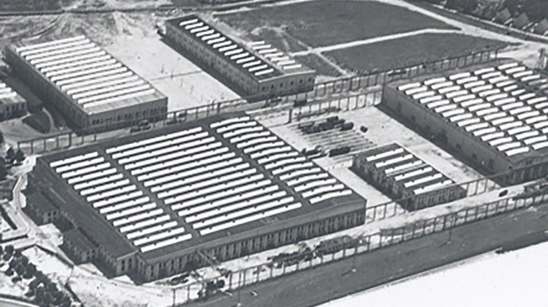 Em 1931, Krauss assume o negócio de construção de locomotivas da Maffei e se torna a Lokomotivfabrik Krauss & Comp. – J.A. Maffei AG. A mudança para Allach é concluída em 1935, e a construção da nova fábrica está praticamente concluída dois anos depois. Nas décadas seguintes, as locomotivas são entregues em todo o mundo a partir do que é hoje a única fábrica de locomotivas em Munique.