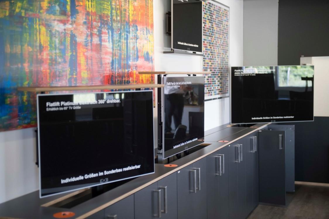 Automatisch versenkbare Bildschirme von Flatlift