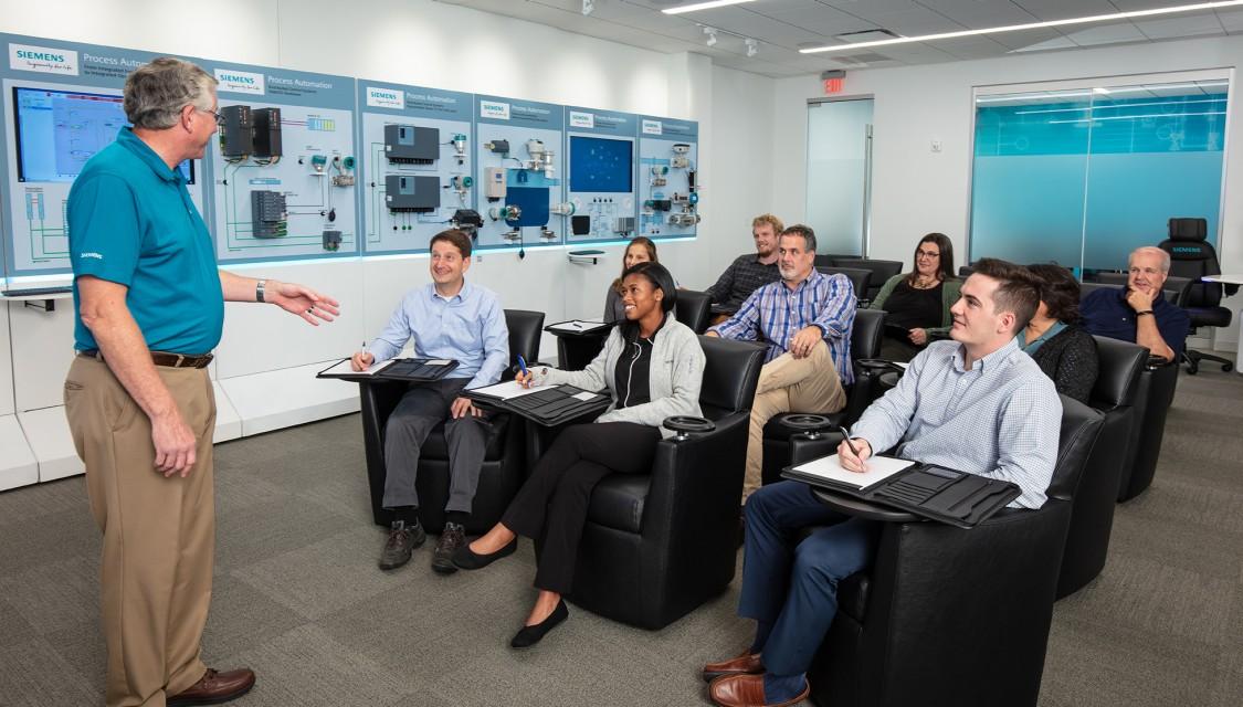 USA - C.B. Moore Solutions Center main room