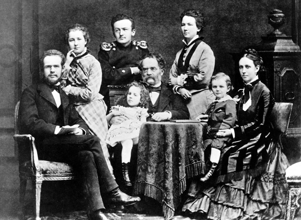 Werner von Siemens mit seinen Kindern, um 1876