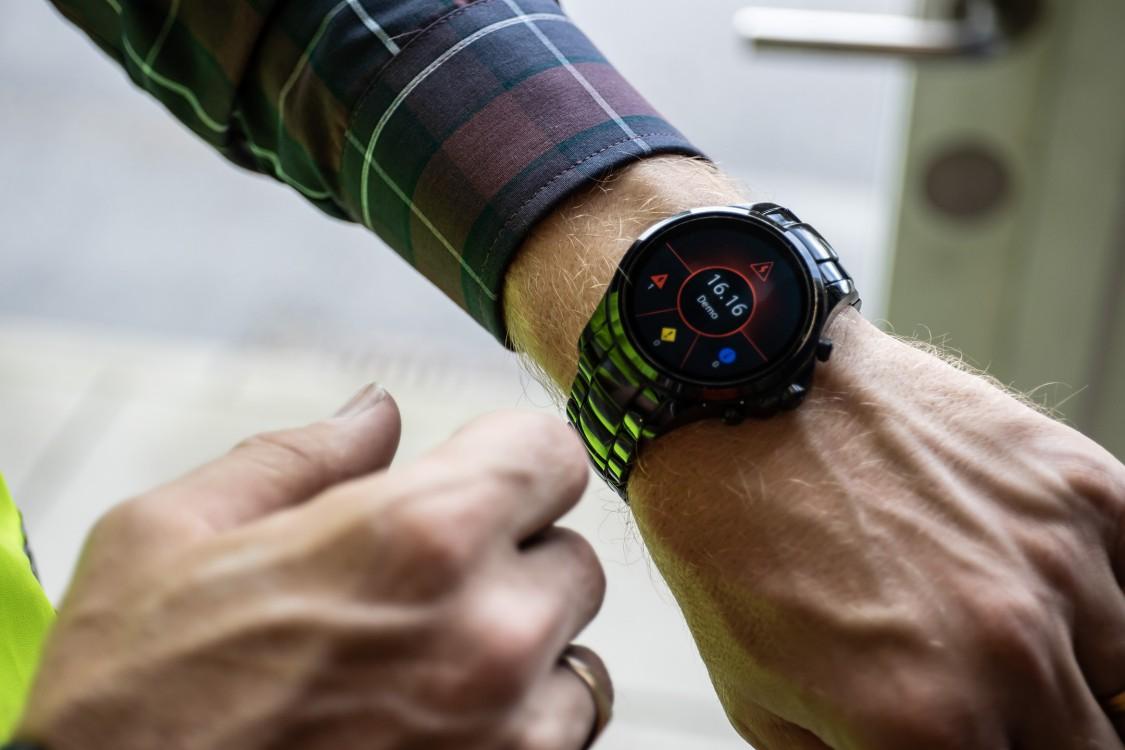 Smart watch with SIMATIC Notifier app
