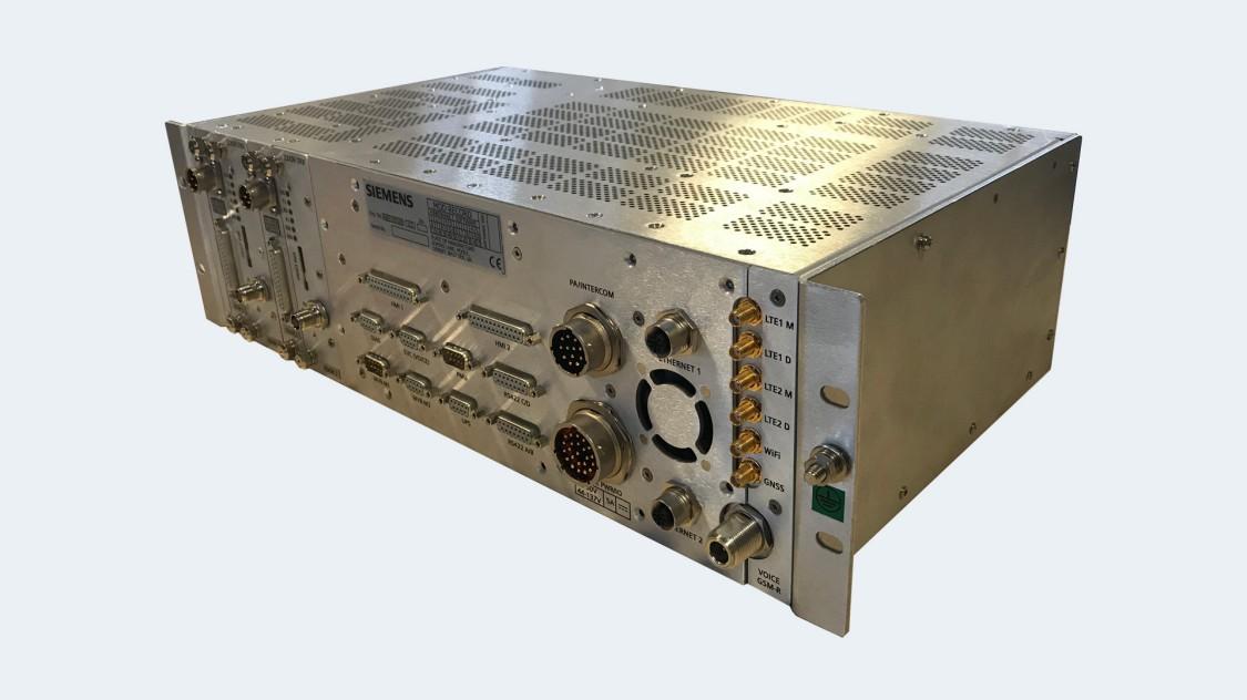"""19"""" Voice & Data Cab Radio (SCR-500)"""