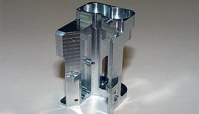 Die C-Mill Technologie AG (C-Mill) ist ein Technologie- und Dienstleistungsunternehmen in der zerspanenden Fertigung und produziert Teile für die Medizin-, Luft- und Raumfahrttechnik sowie für Uhrenhersteller.