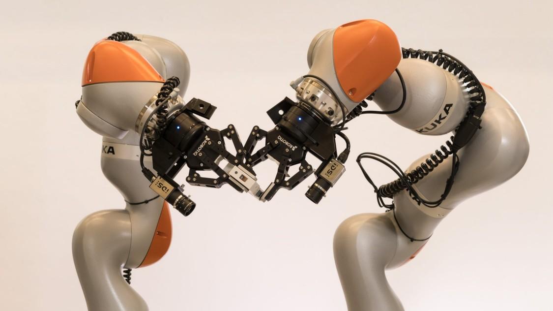 Multilingualer Fertigungsroboter
