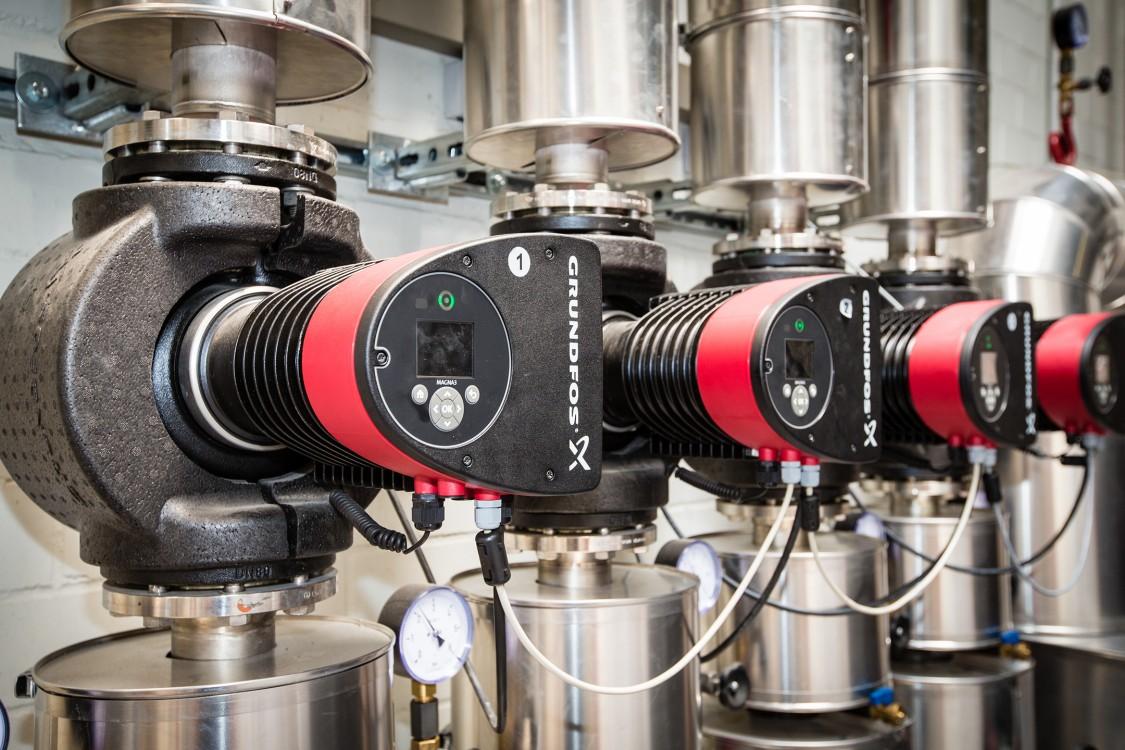 Maschinen im Grundfos-Werk