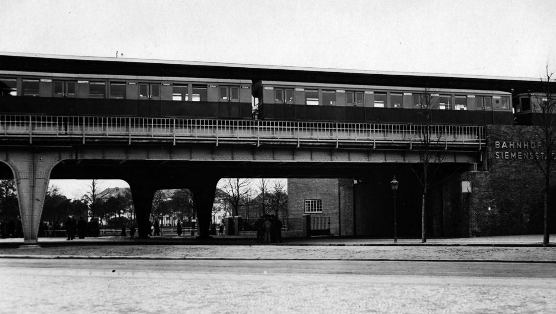Ende der Verkehrsmisere – Die Siemensbahn wird eröffnet