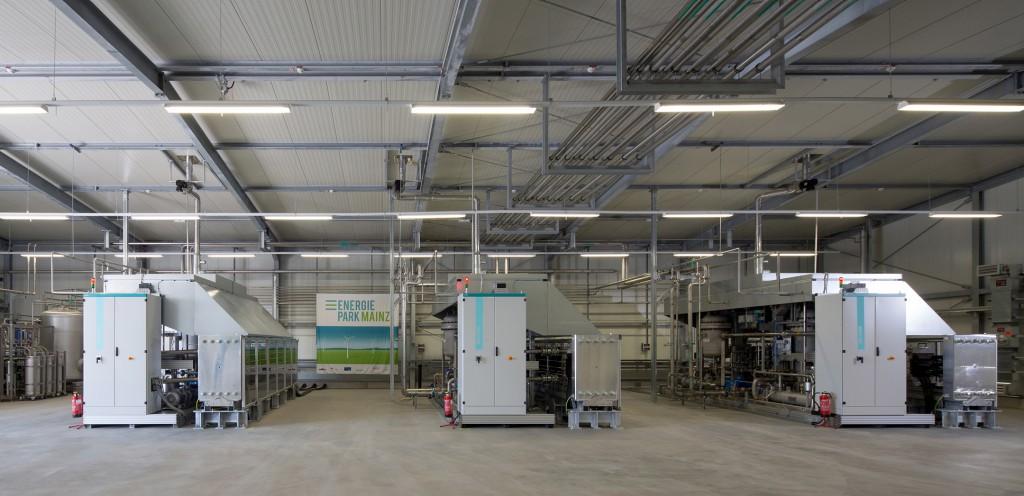 Weltgroesstes Elektrolysesystem seiner Art in Mainz