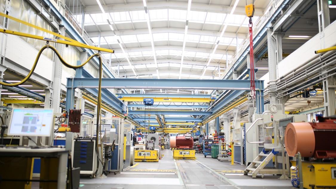 Key visual Industry Cranes ECO technology