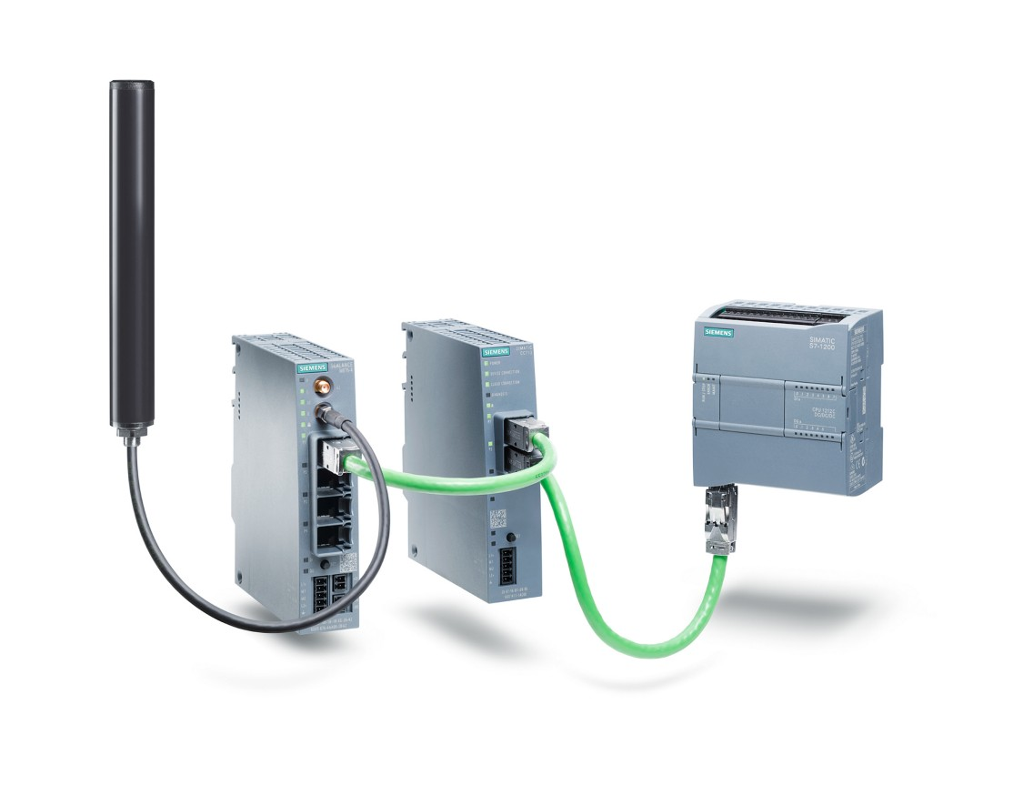 Industrial IoT Gateway SIMATIC CloudConnect 7 to transfer information to a wide variety of cloud platforms.