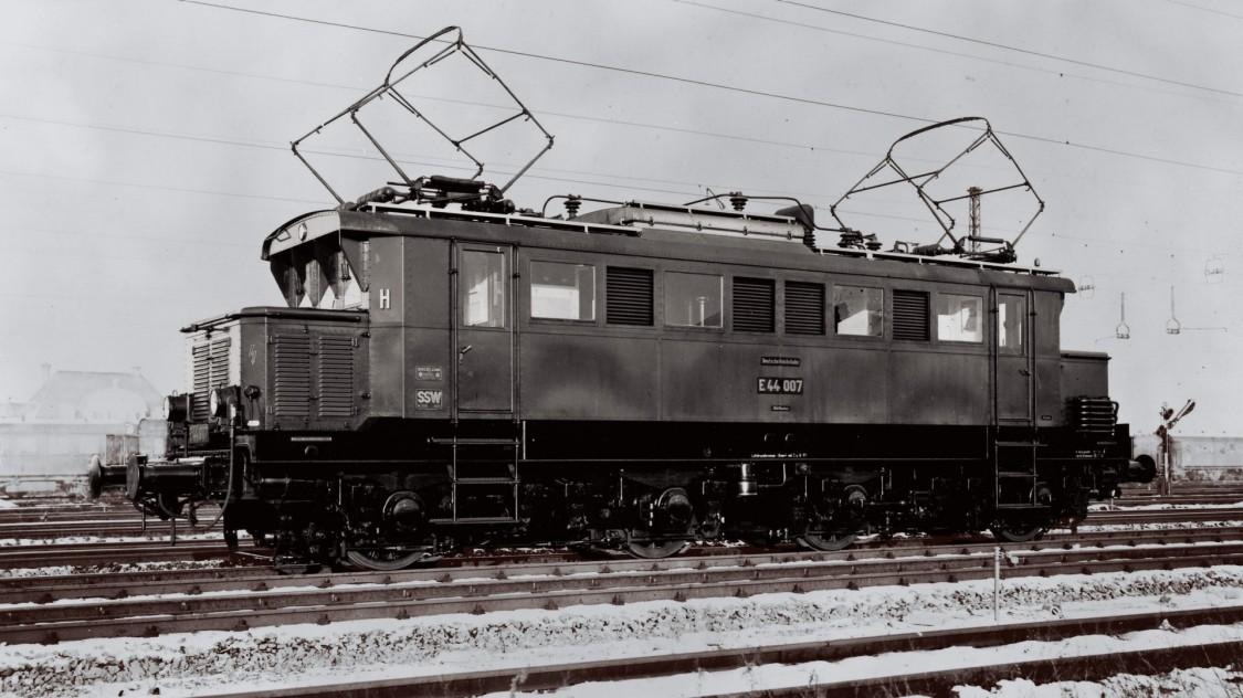 Электровоз модели E 44, 1933 год