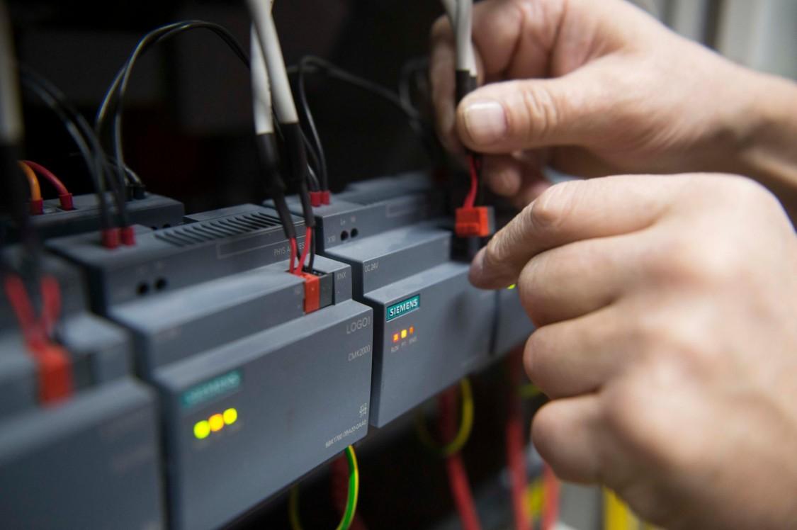Elektrotechnik (B. Eng.) mit Ausbildung zum Elektroniker (m/w/d) für Betriebstechnik