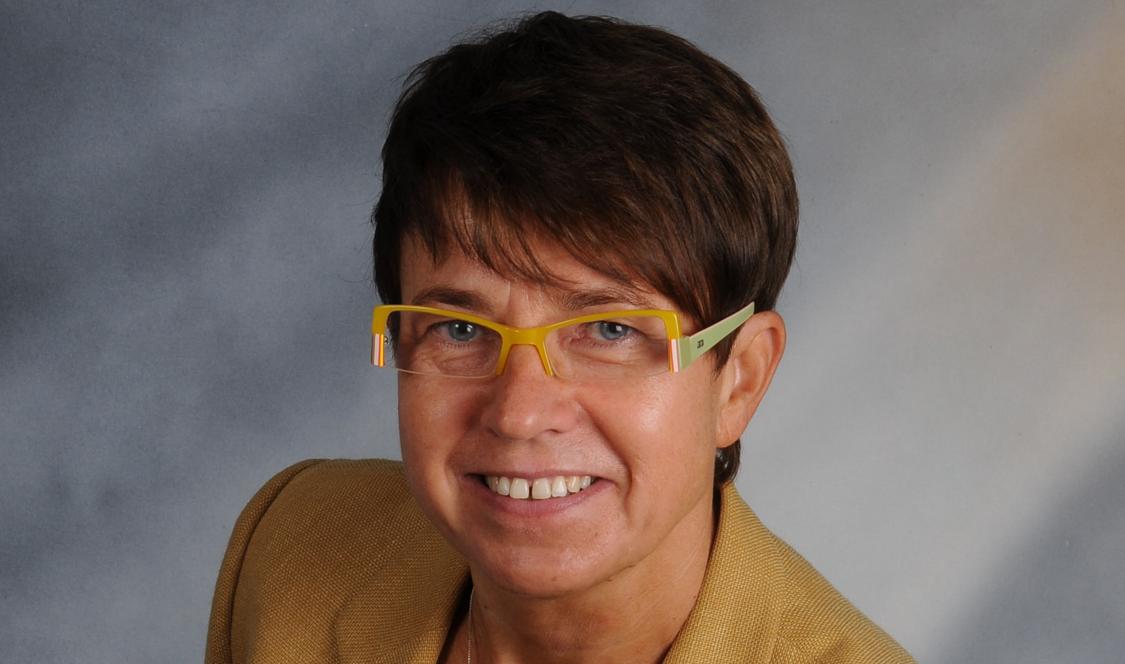 Na zdjęciu widnieje ekspert wypowiadający się w kontekście przygotowanego przez Siemensa raportu Digi Index 2021 - dr Małgorzata Starczewska-Krzysztofek