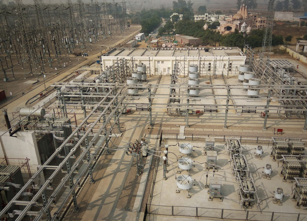 The picture shows the Siemens SVC systems in India