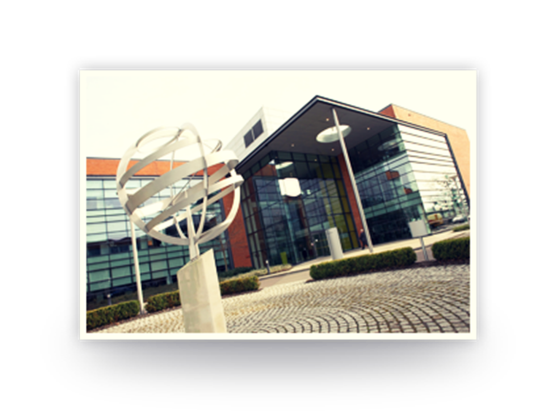 Siemens relocated its UK headquarters from Bracknell to Sir William Siemens Square in Frimley, Surrey.