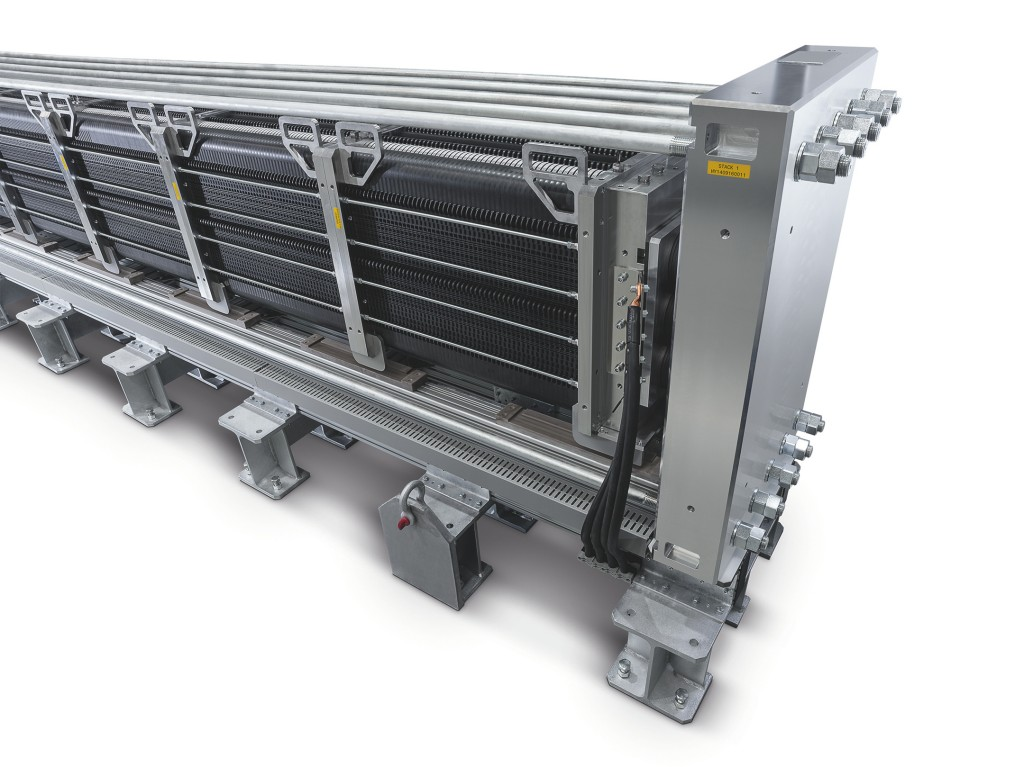 Siemens delivers PEM electrolyzer for Salzgitter AG