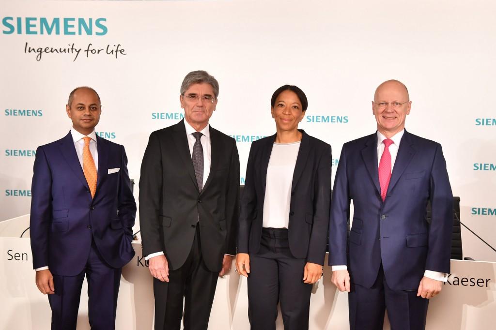 Von links nach rechts: Michael Sen, Mitglied des Vorstands der Siemens AG; Joe Kaeser, Vorsitzender des Vorstands der Siemens AG; Janina Kugel, Mitglied des Vorstands der Siemens AG und Chief Human Resources Officer; Ralf P. Thomas, Mitglied des Vorstands der Siemens AG und Chief Financial Officer.