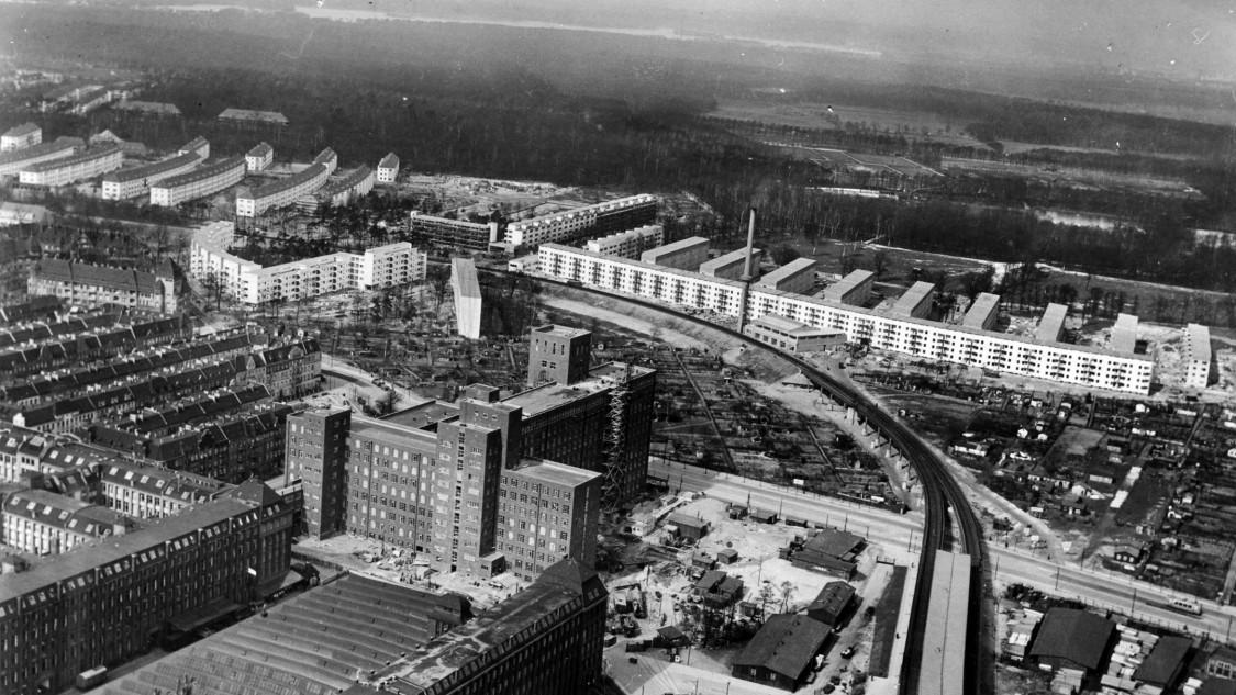 Large Siemensstadt settlement, 1931