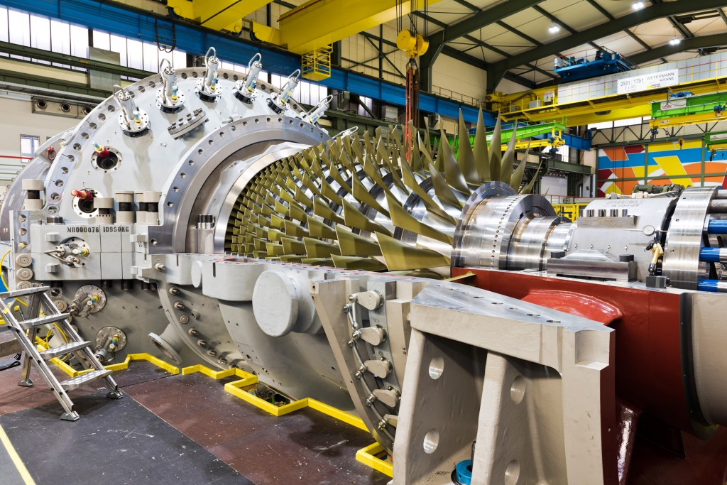 The picture shows the SGT5-4000F gas turbine