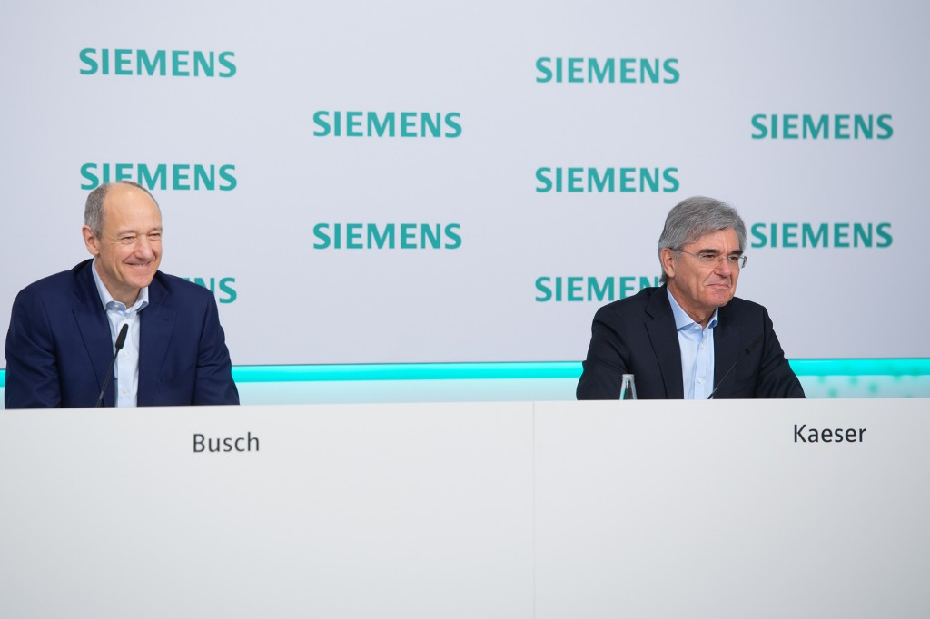 Roland Busch (left), Deputy CEO of Siemens AG, and Joe Kaeser (right), President and CEO of Siemens AG, at the virtual Annual Press Conference on November 12, 2020, at Siemens headquarters in Munich, Germany.