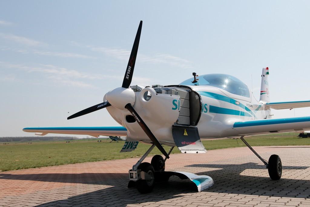 Neuentwicklung: Inverter mit höchster Leistungsdichte für elektrisches Fliegen