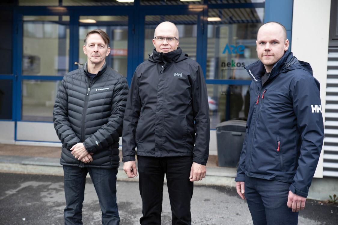 Kuvassa Jaakko Laihorinne, Veli-Pekka Vänskä ja Hannu Hinttu.