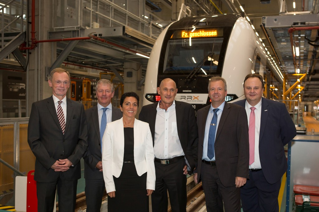 Picture from left to right: Dr. Hendrik Schulte, State Secretary at Ministry of Transport of the State of North Rhine Westphalia; Martin Husmann, CEO Verkehrsverbund Rhein-Ruhr; Sabrina Soussan, CEO Siemens Mobility; Manfred Fuhg, Head of Siemens Mobility Germany; Rainer Blüm, CEO Abellio Rail NRW; Heiko Sedlaczek, CEO Verkehrsverband Rhein-Sieg/Nahverkehr Rheinland