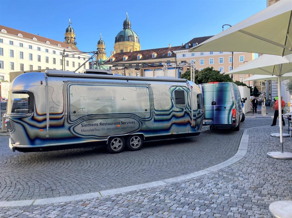 Der Restaurant Services Foodtruck in München