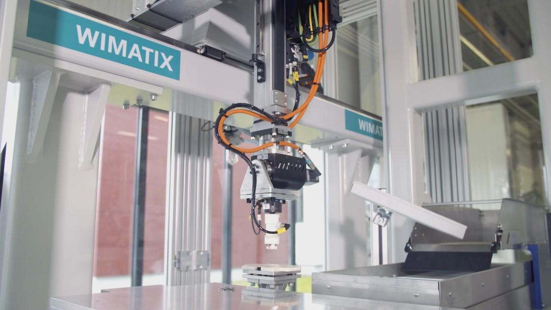 Wimatix robotics for plastics processing handling systems