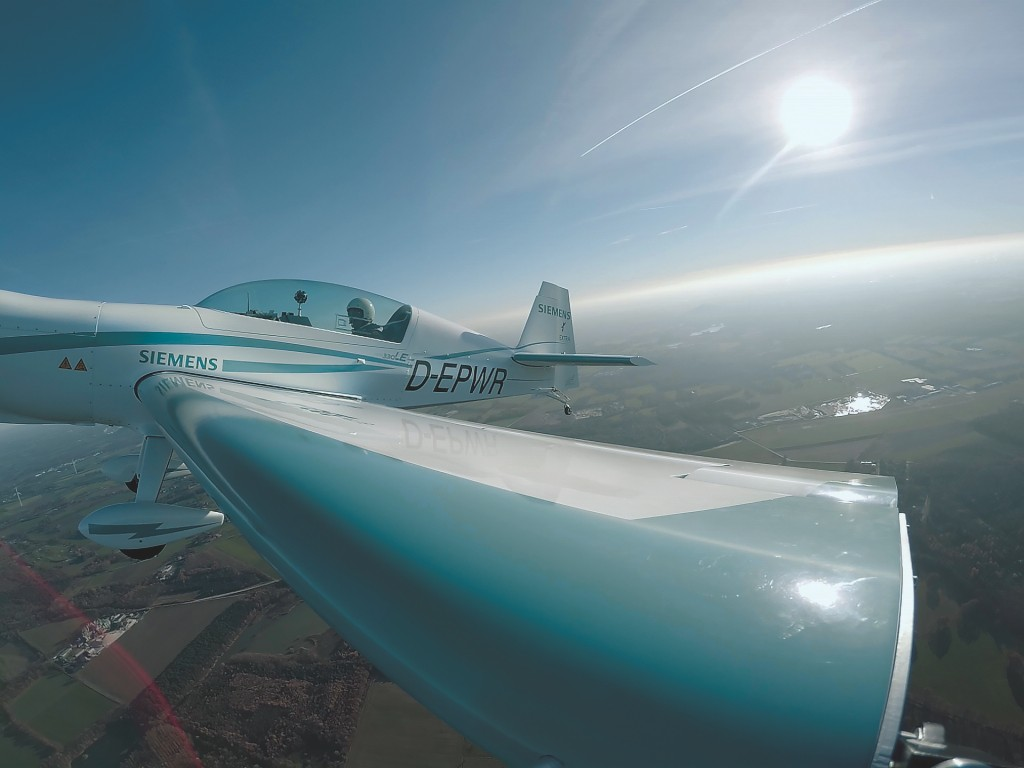Electric Flight | Press | Company | Siemens