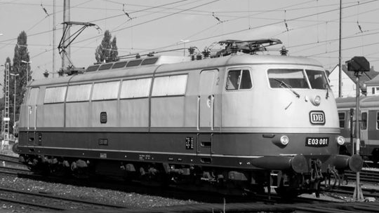 1965: E03 - legendarna lokomotywa dużej prędkości