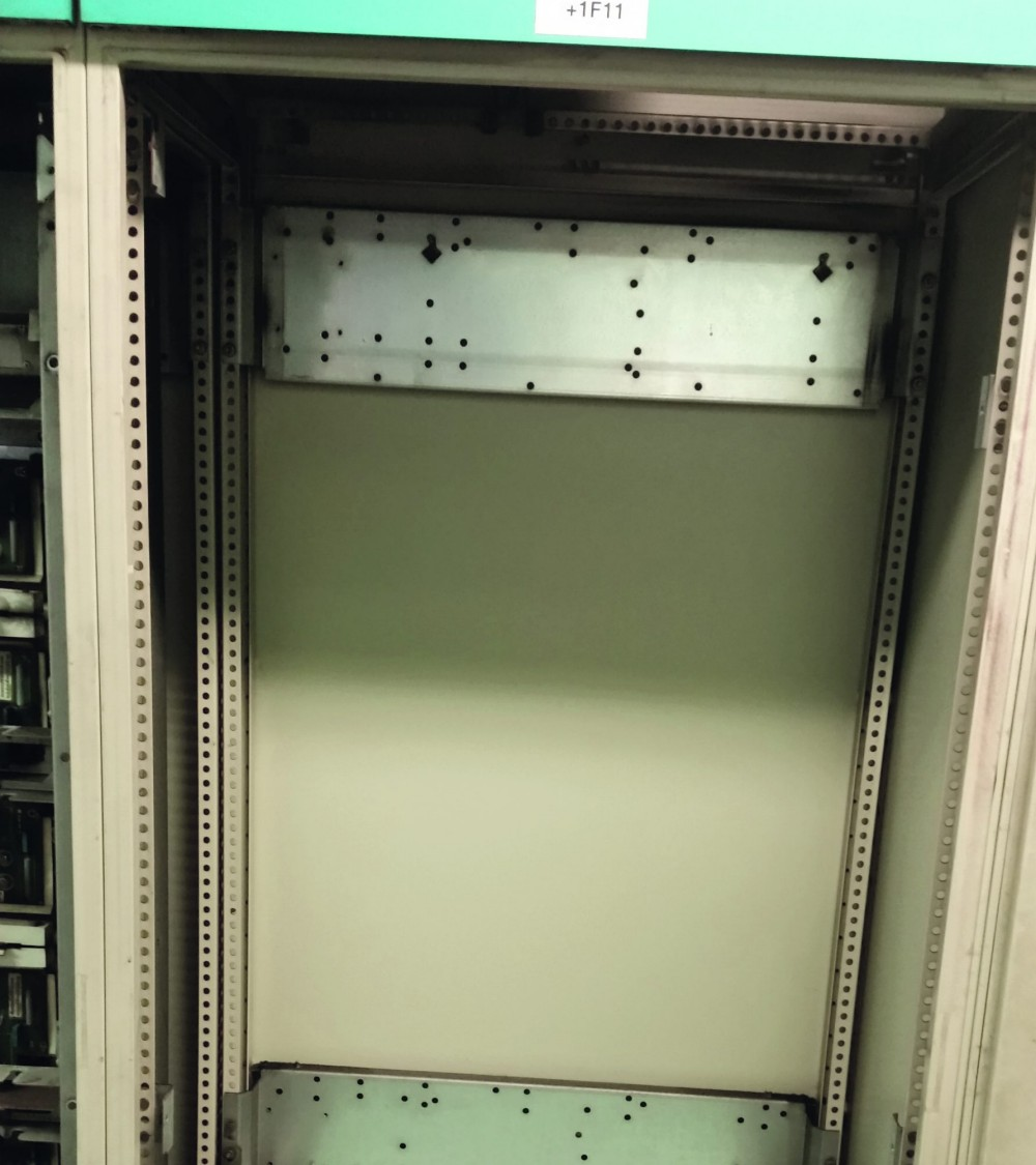 Fourth step of removing MASTERDRIVES chassis