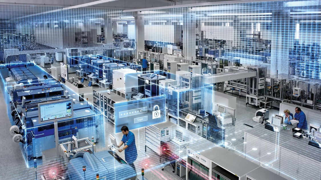 Bild einer Industrieanlage von oben, stilisierte Datenströme mit Schildern symbolisieren den geschützten Datentransfer innerhalb der Anlage und zur Cloud.